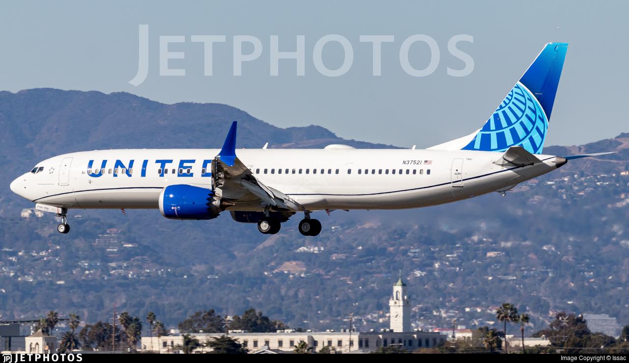 N37521 - Boeing 737-9 MAX - United Airlines