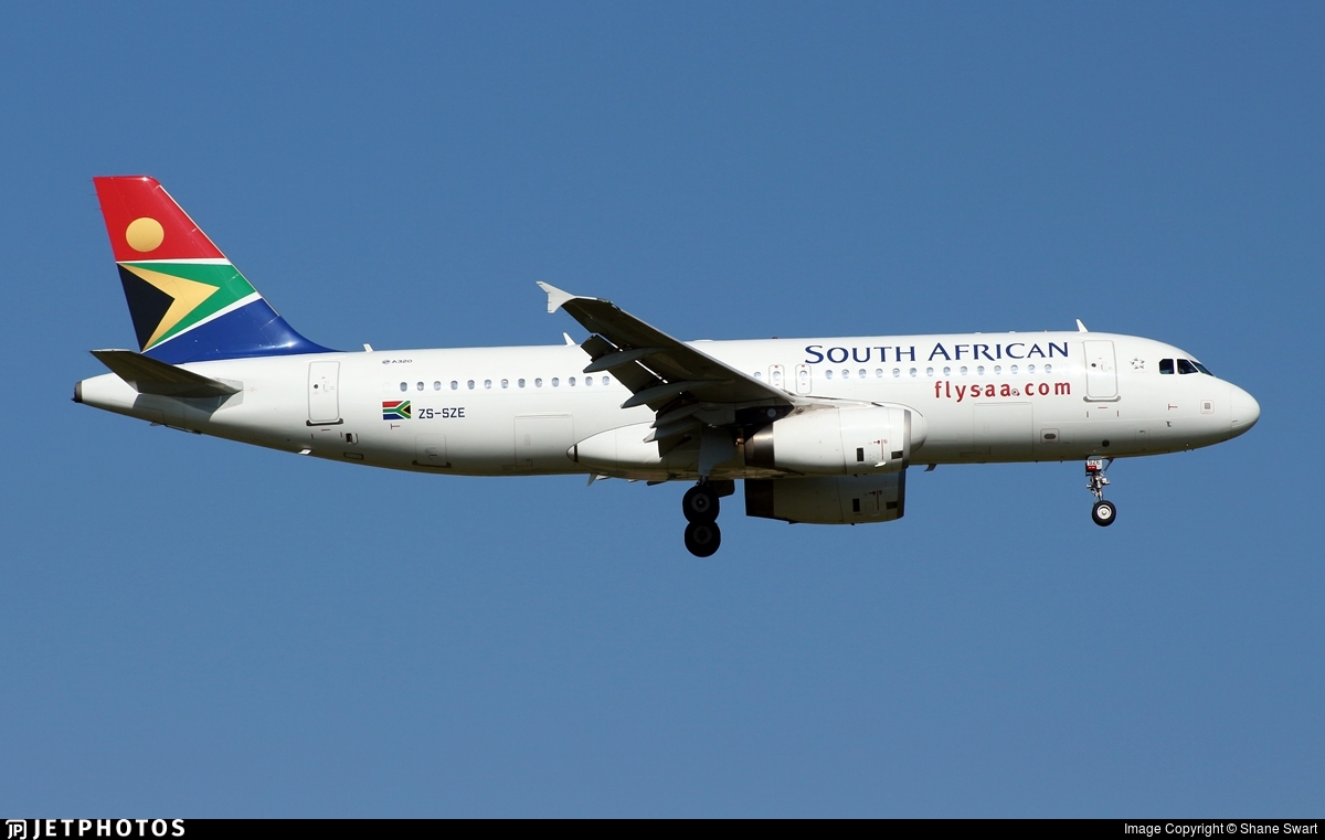 ZS-SZE - Airbus A320-232 - South African Airways