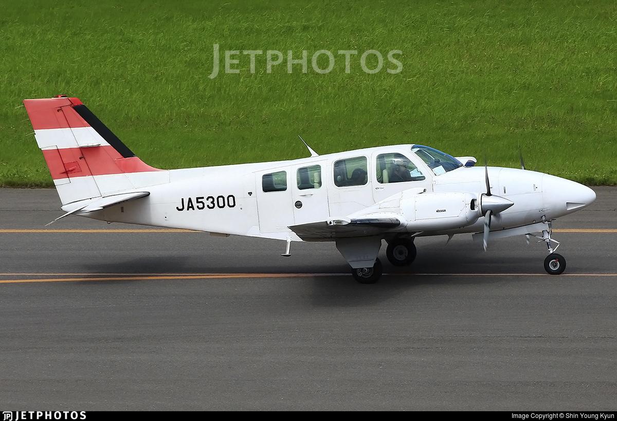 JA5300 - Beechcraft 58 Baron - Private