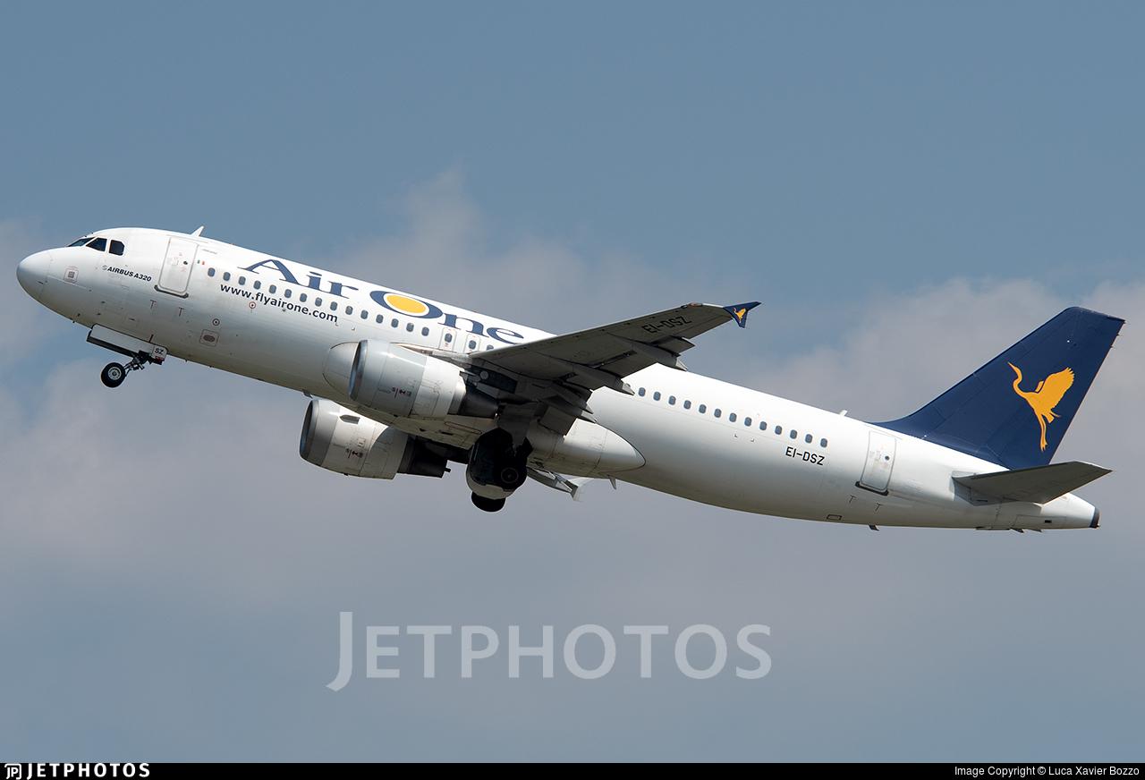 EI-DSZ - Airbus A320-216 - Air One