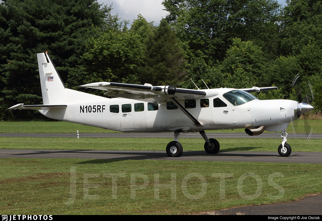 N105RF - Cessna 208B Grand Caravan - Private