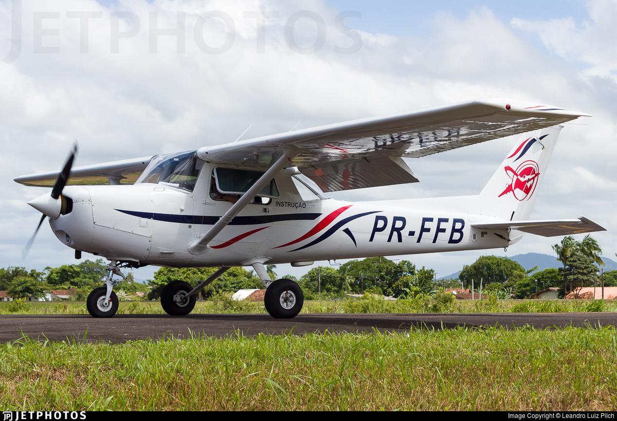 PR-FFB - Cessna 152 - Escola Paranaense de Aviação