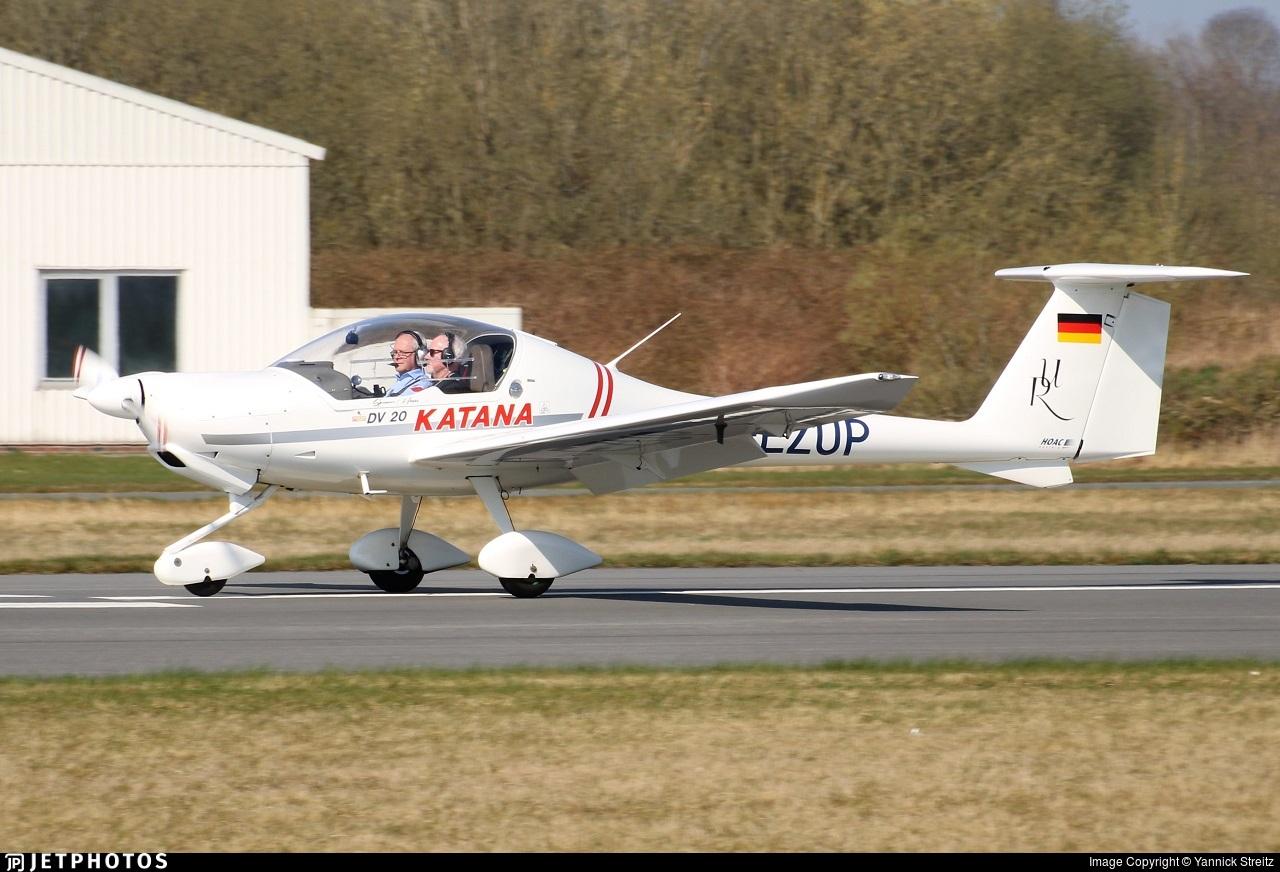 D-EZUP - HOAC DV-20-100 Katana - Private