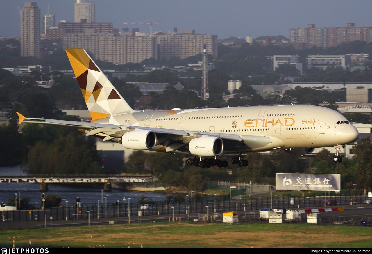 A6-APJ - Airbus A380-861 - Etihad Airways