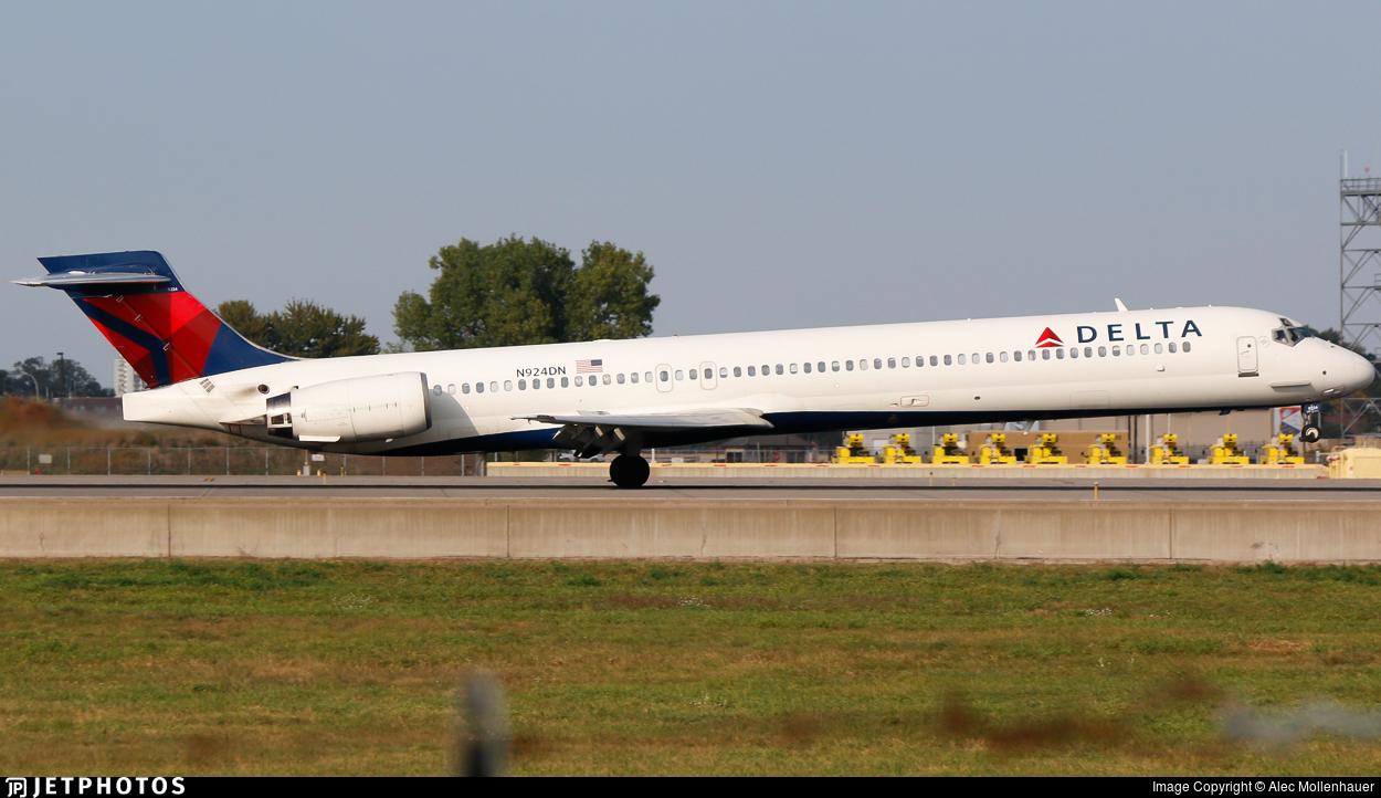 N924DN - McDonnell Douglas MD-90-30 - Delta Air Lines