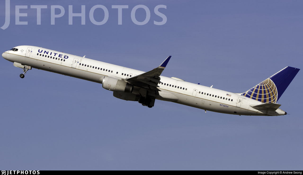 N75854 - Boeing 757-324 - United Airlines