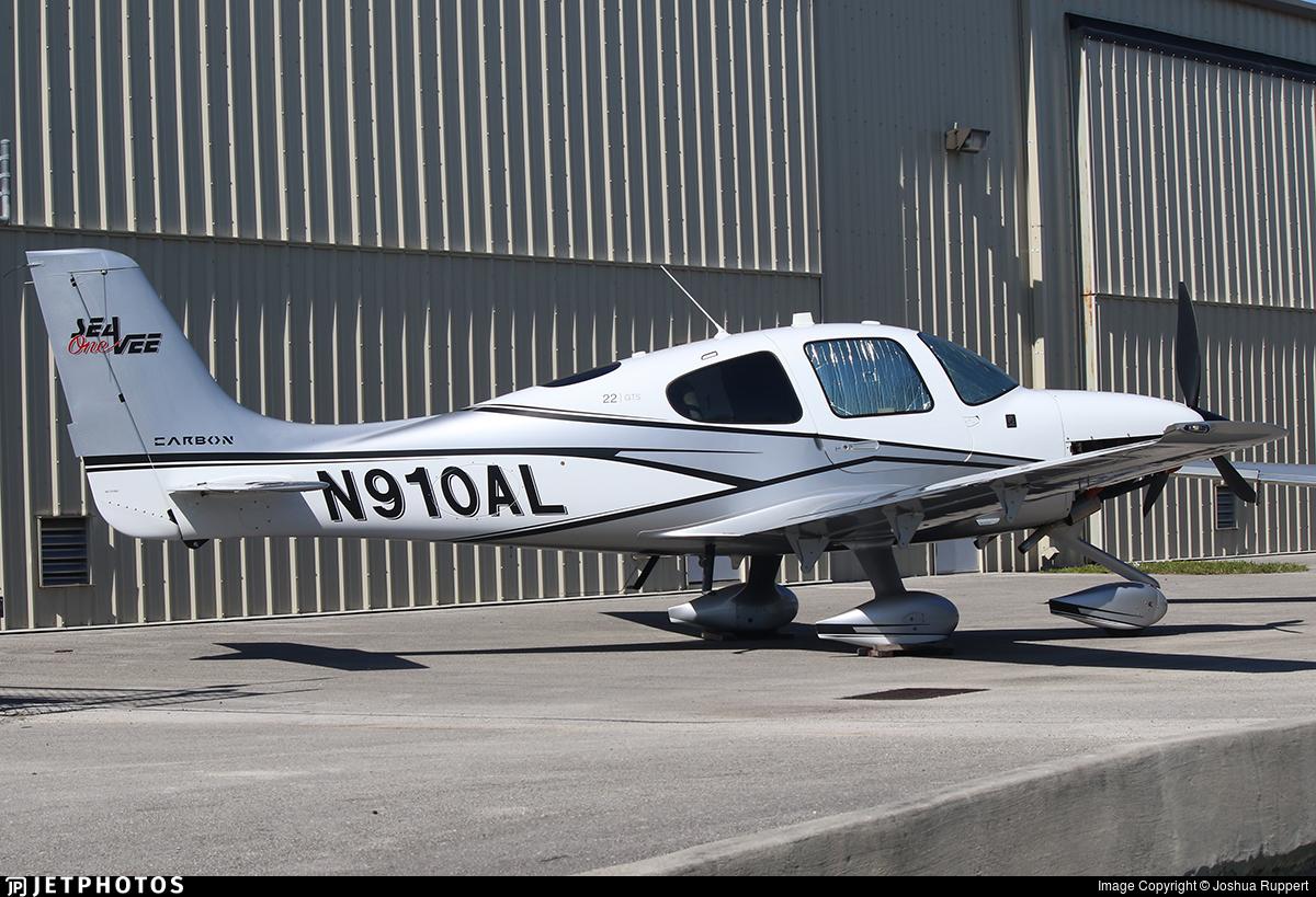 N910AL - Cirrus SR22T Carbon - Private