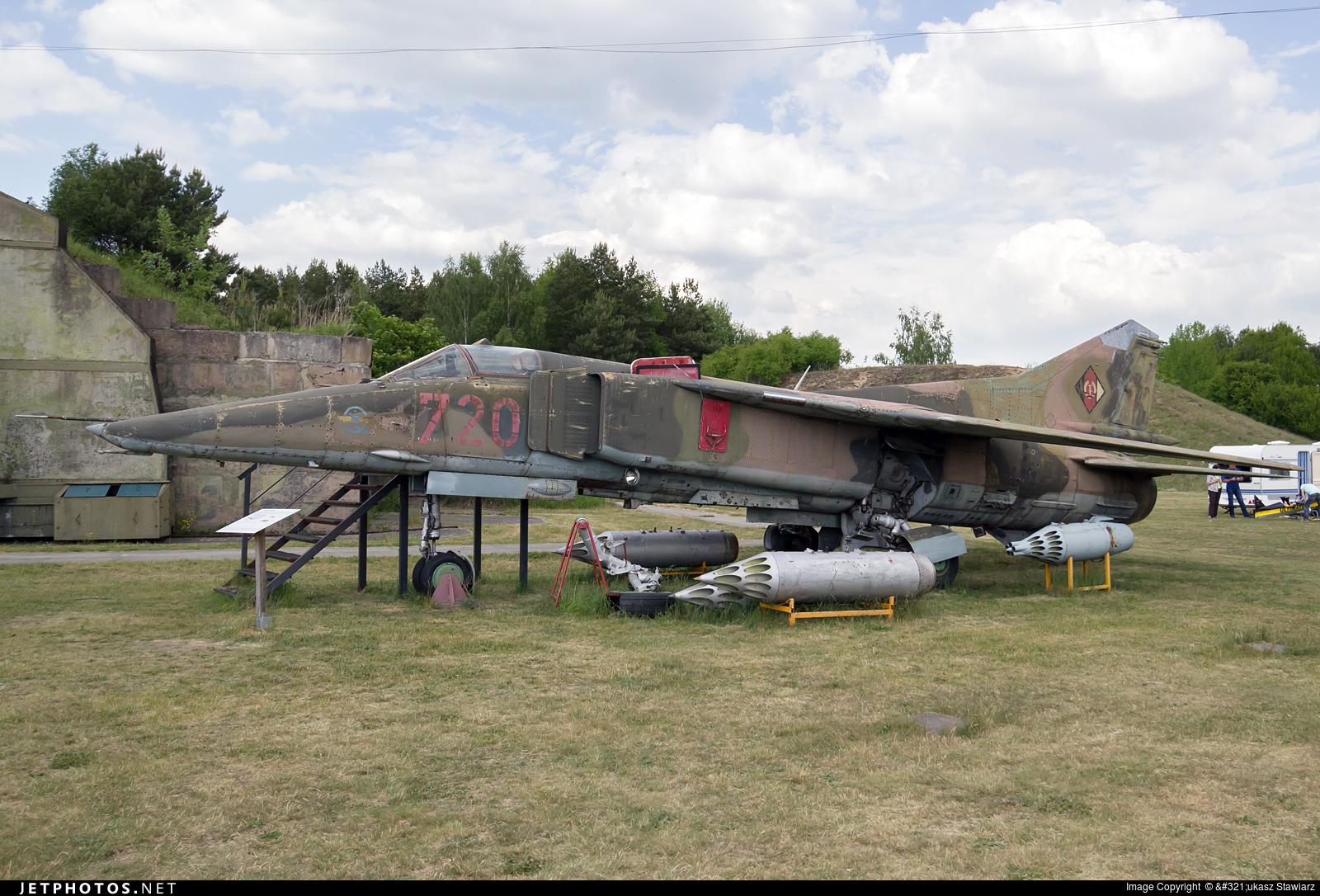 720 - Mikoyan-Gurevich MiG-23BN Flogger H - German Democratic Republic - Air Force