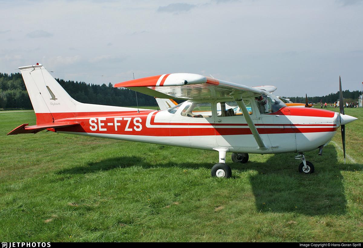 SE-FZS - Reims-Cessna F172M Skyhawk - Private