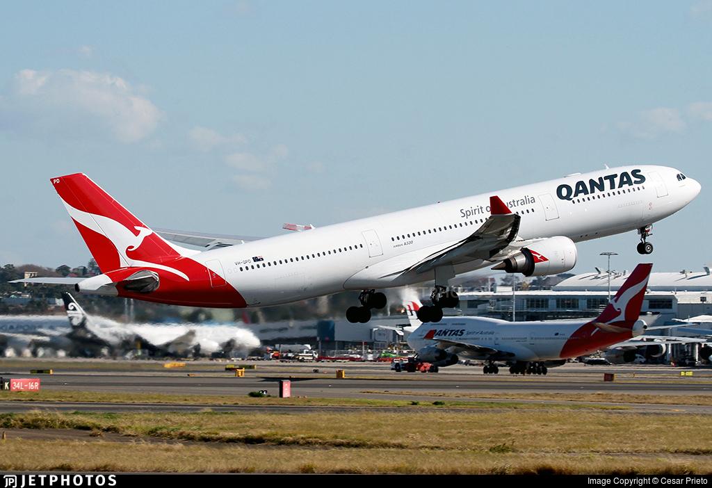 VH-QPD - Airbus A330-303 - Qantas