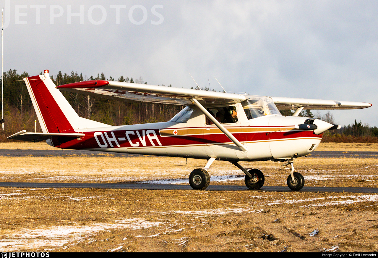 OH-CVA - Cessna 150F - Private