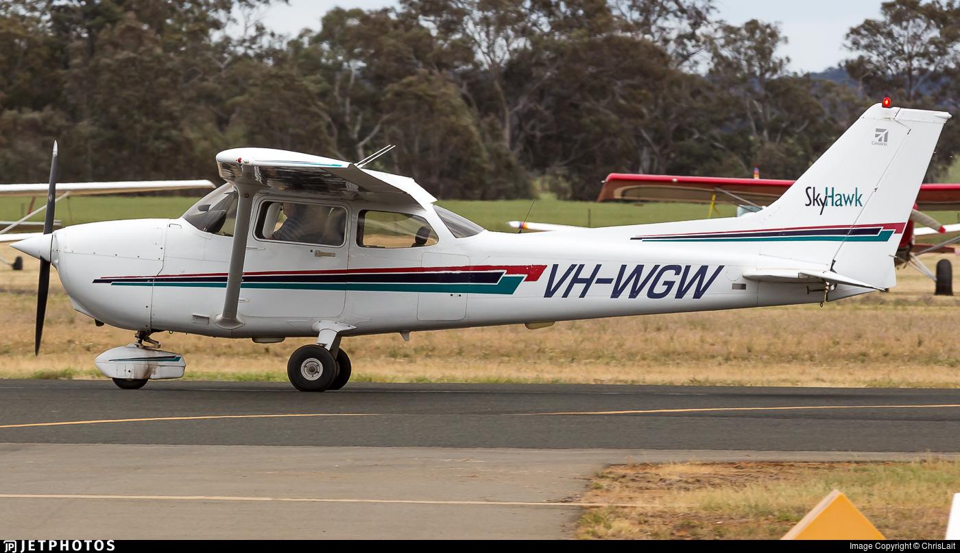 VH-WGW - Cessna 172R Skyhawk - Private