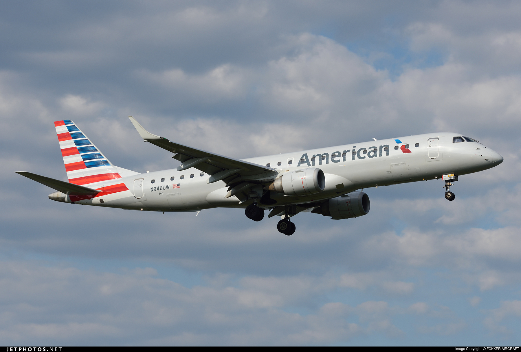 N946uw Embraer 190 100igw American Airlines Fokker