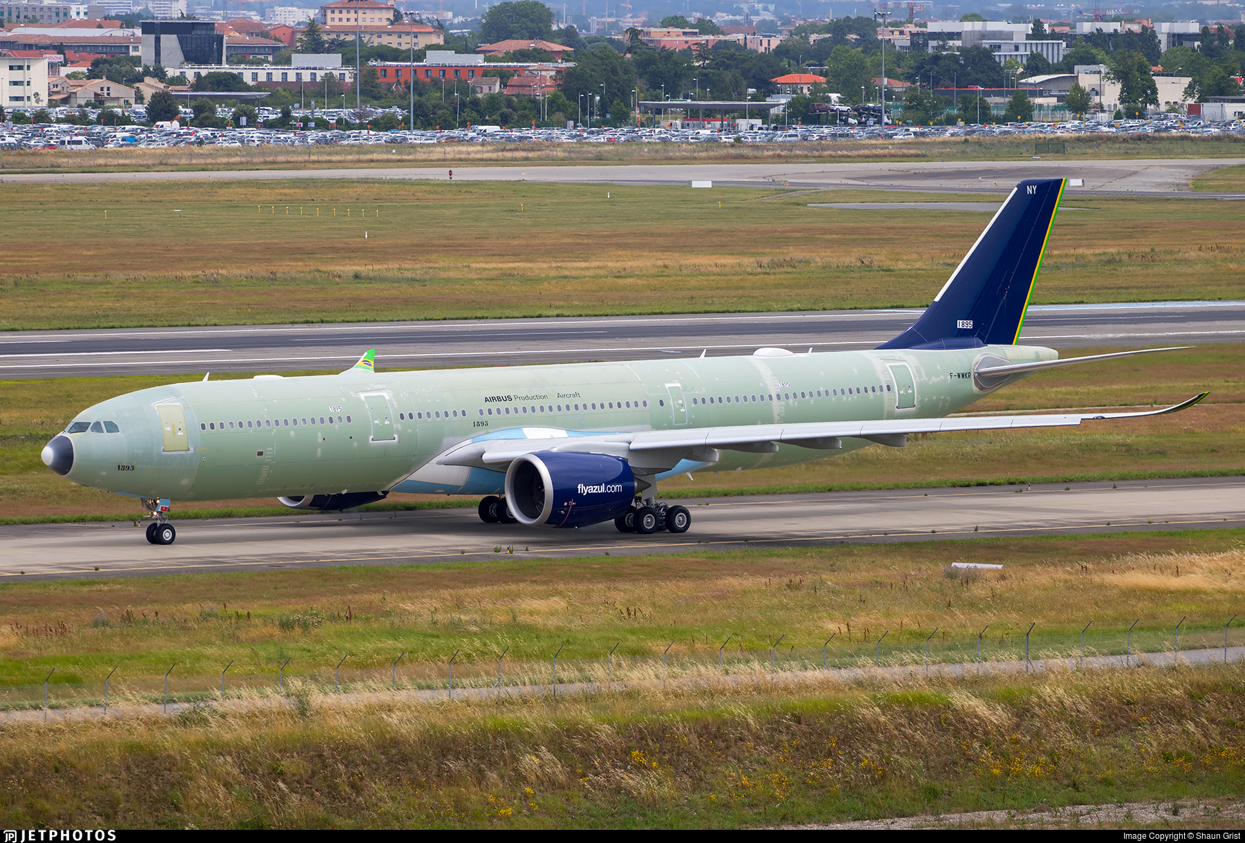 F-WWKR - Airbus A330-941 - Airbus Industrie