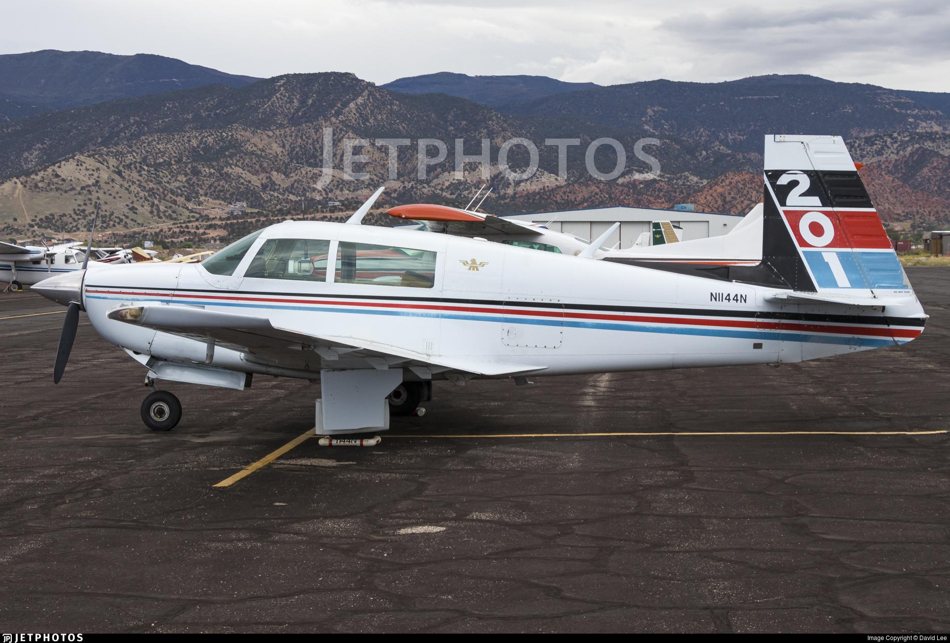 N1144N - Mooney M20J - Private