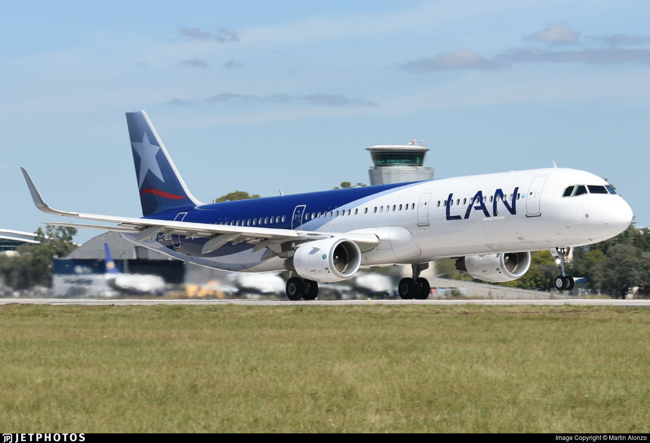 CC-BEG - Airbus A321-211 - LAN Airlines