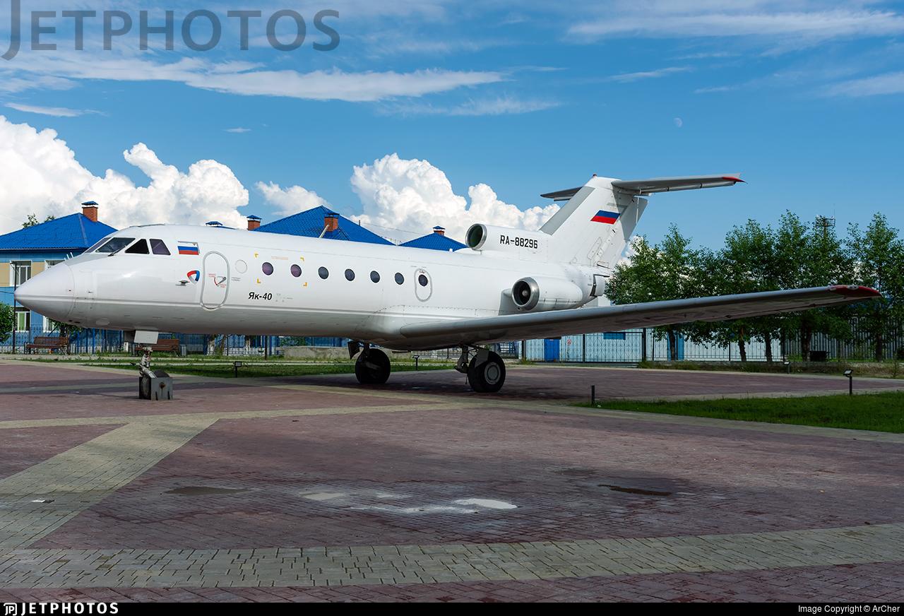 RA-88296 - Yakovlev Yak-40 - Private