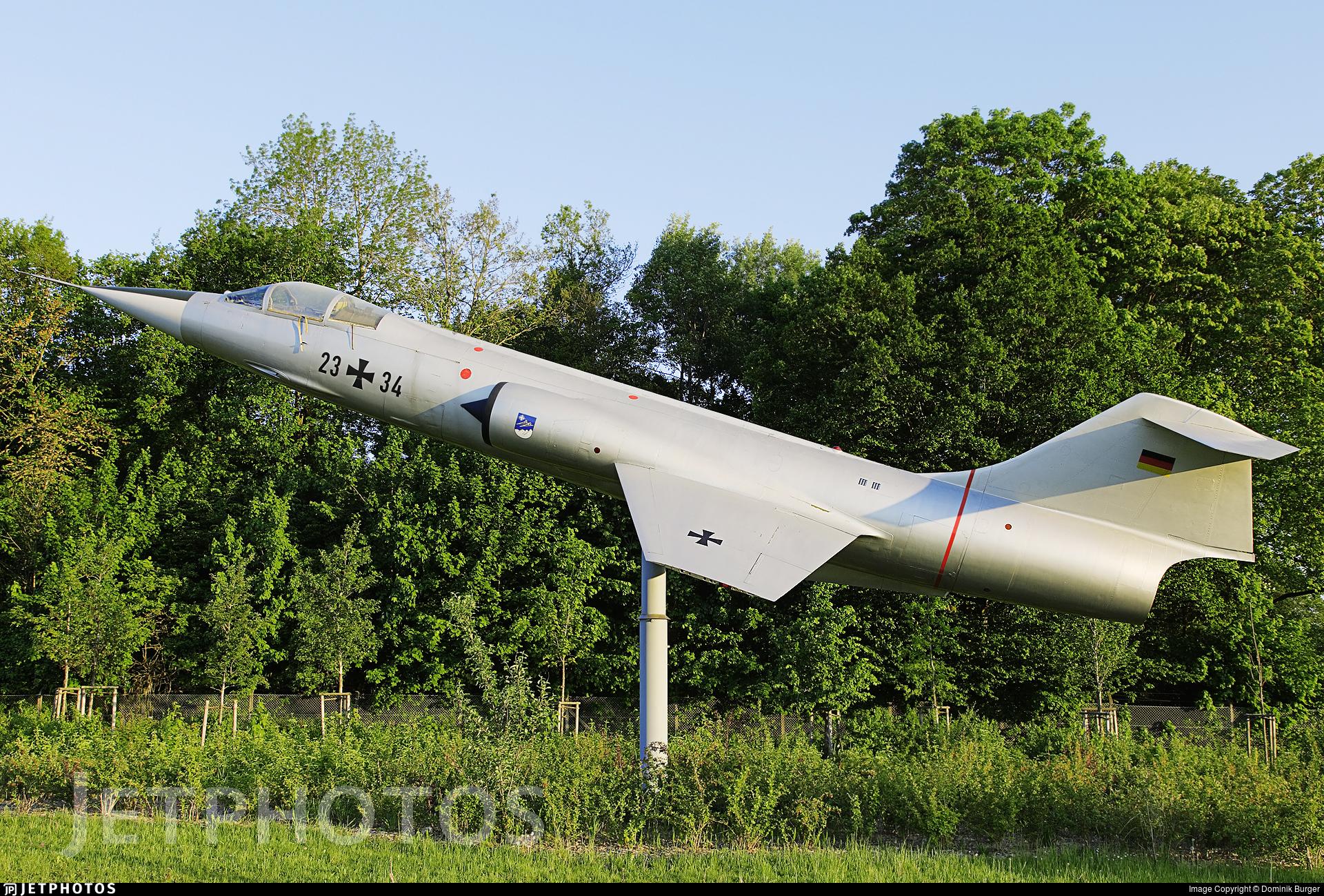 24-17 - Lockheed RF-104G Starfighter - Germany - Air Force