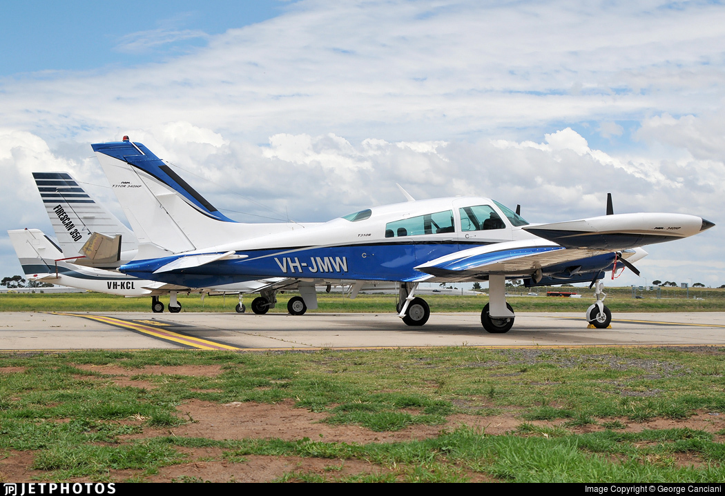 VH-JMW - Cessna T310R II - Private