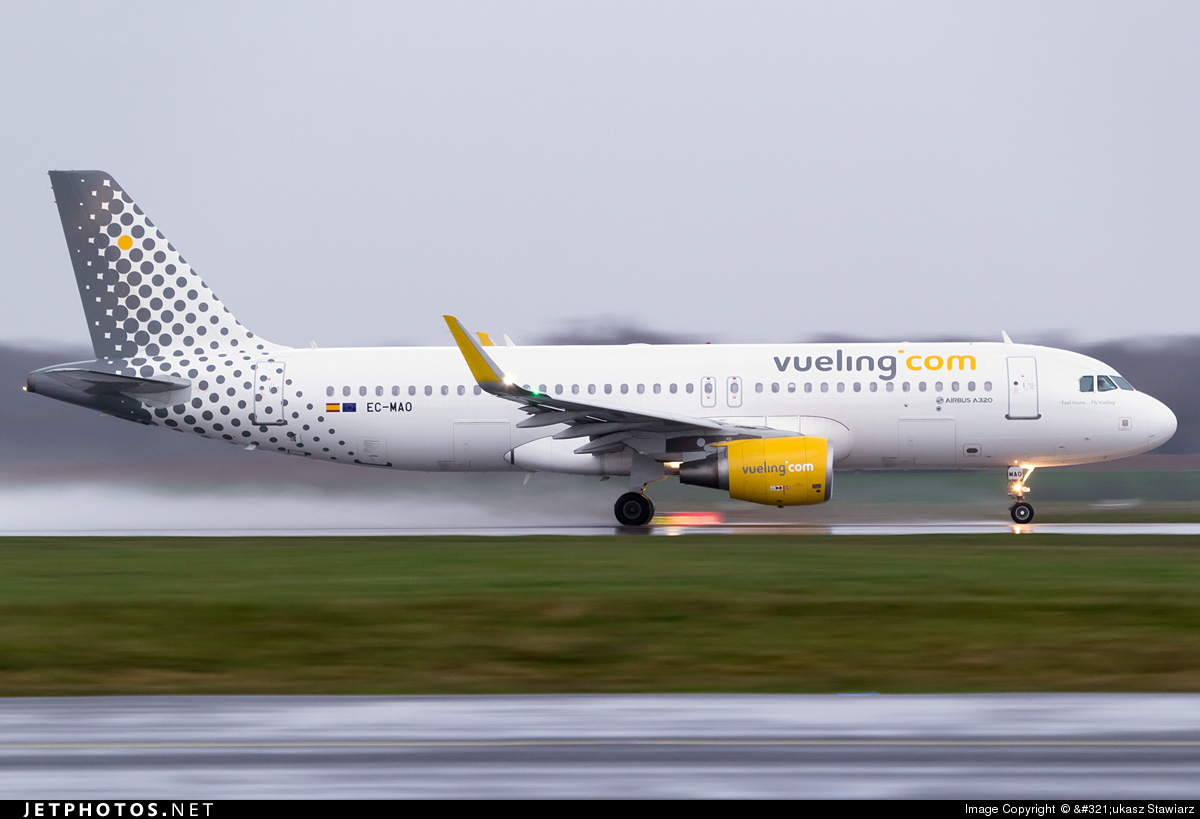 EC-MAO - Airbus A320-214 - Vueling