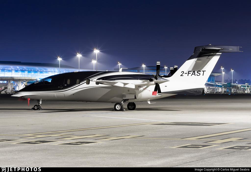 2-FAST - Piaggio P-180 Avanti II - Private