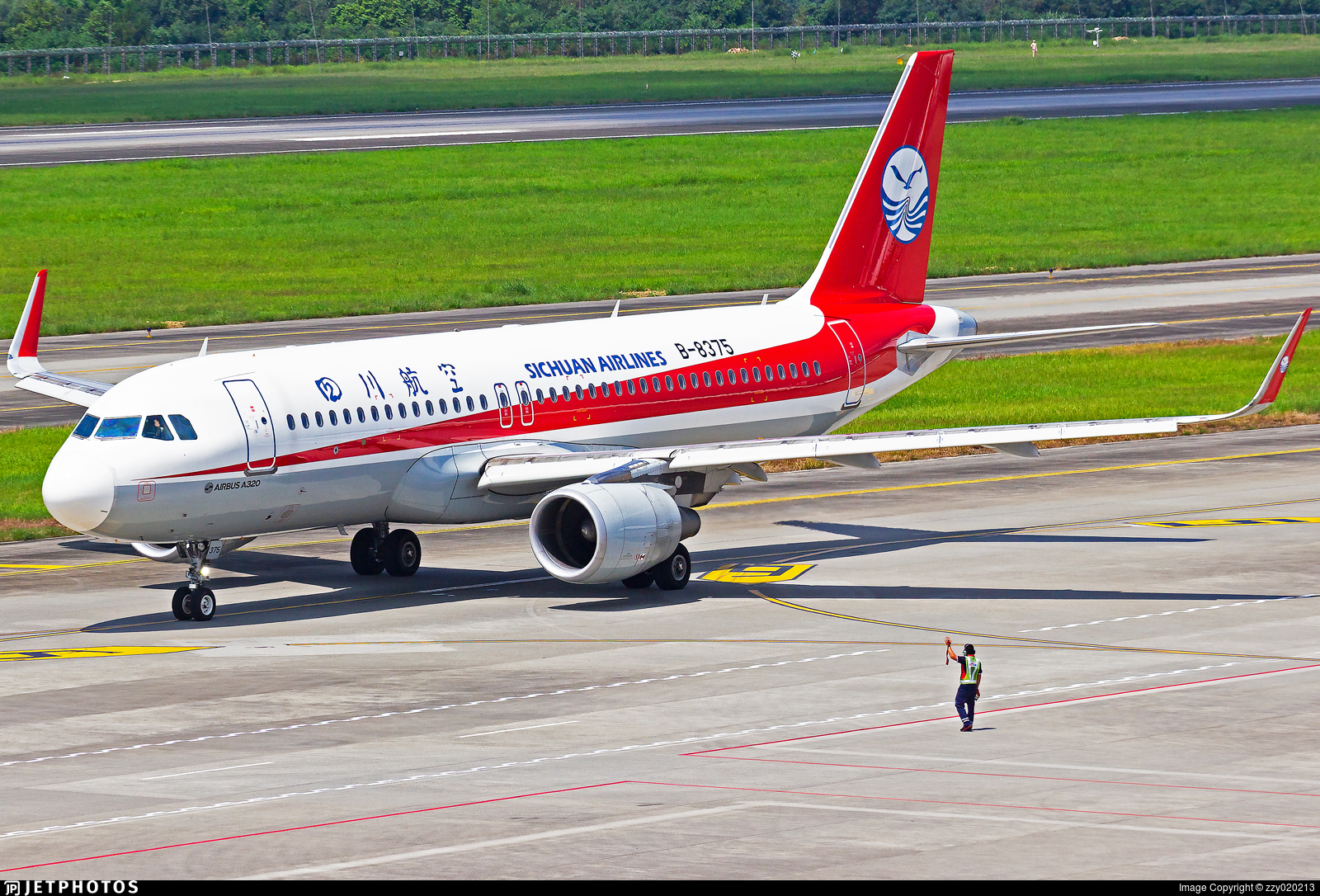 B-8375 - Airbus A320-214 - Sichuan Airlines