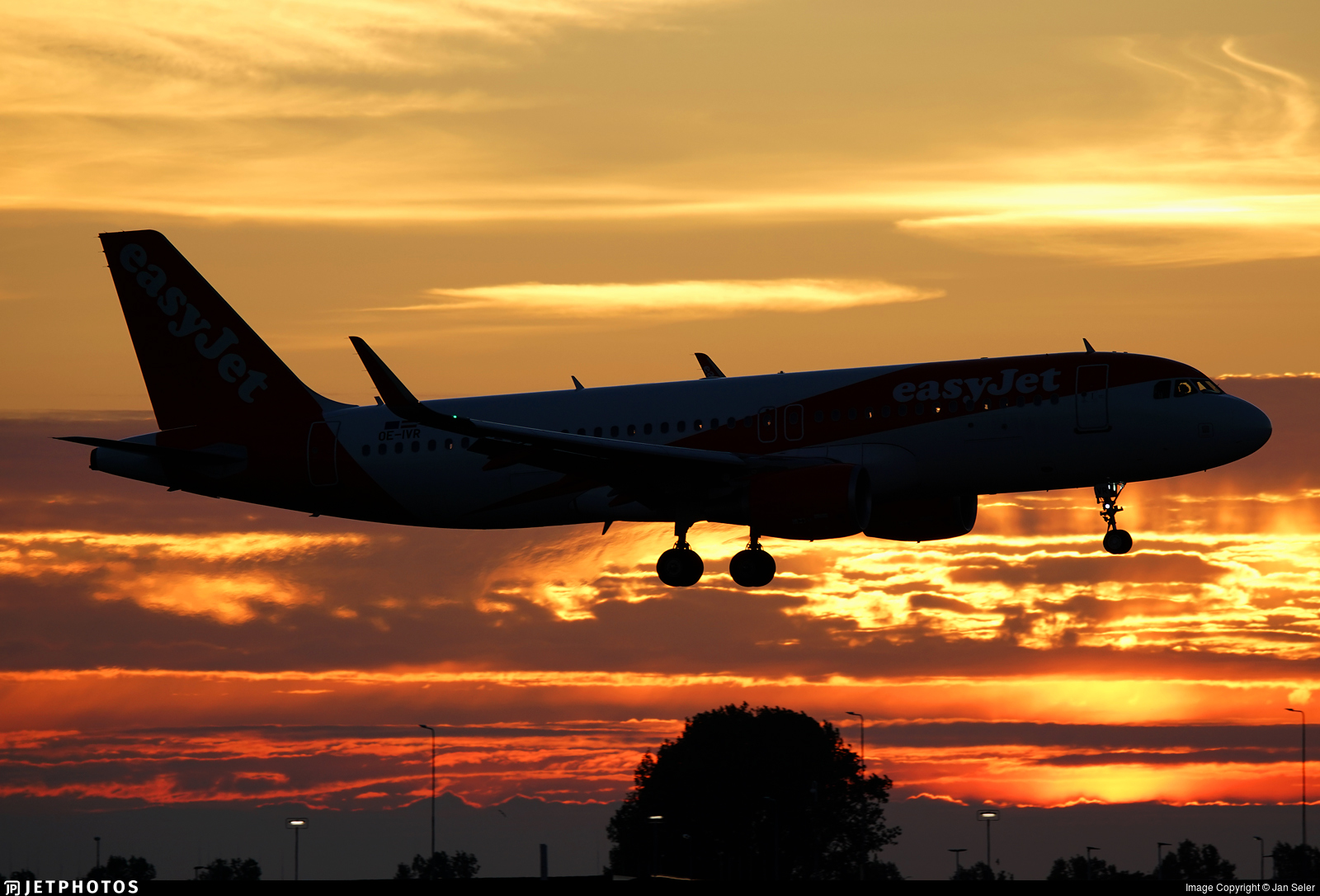 OE-IVR - Airbus A320-214 - easyJet Europe