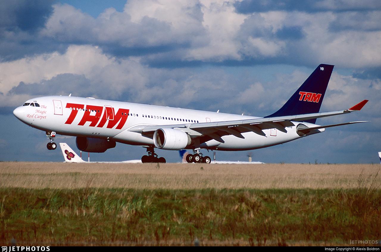 PT-MVB - Airbus A330-223 - TAM Linhas Aéreas