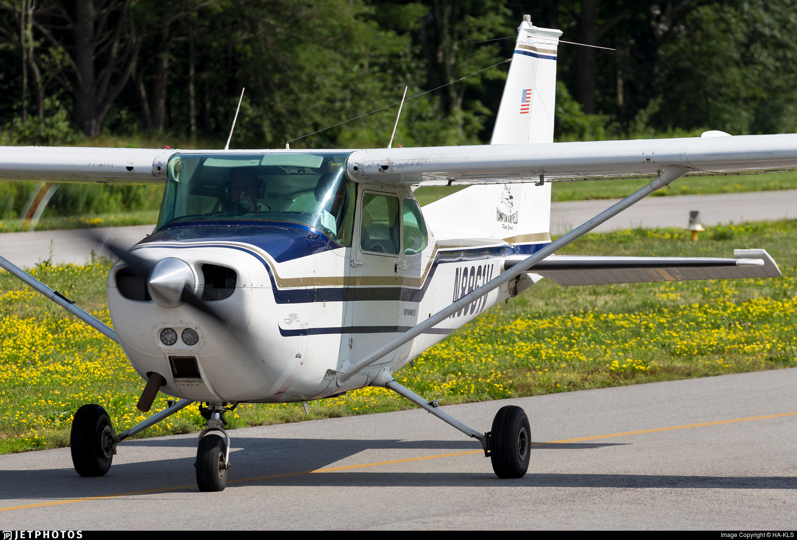 N8961V - Cessna 172M Skyhawk II - Hampton Flying Services
