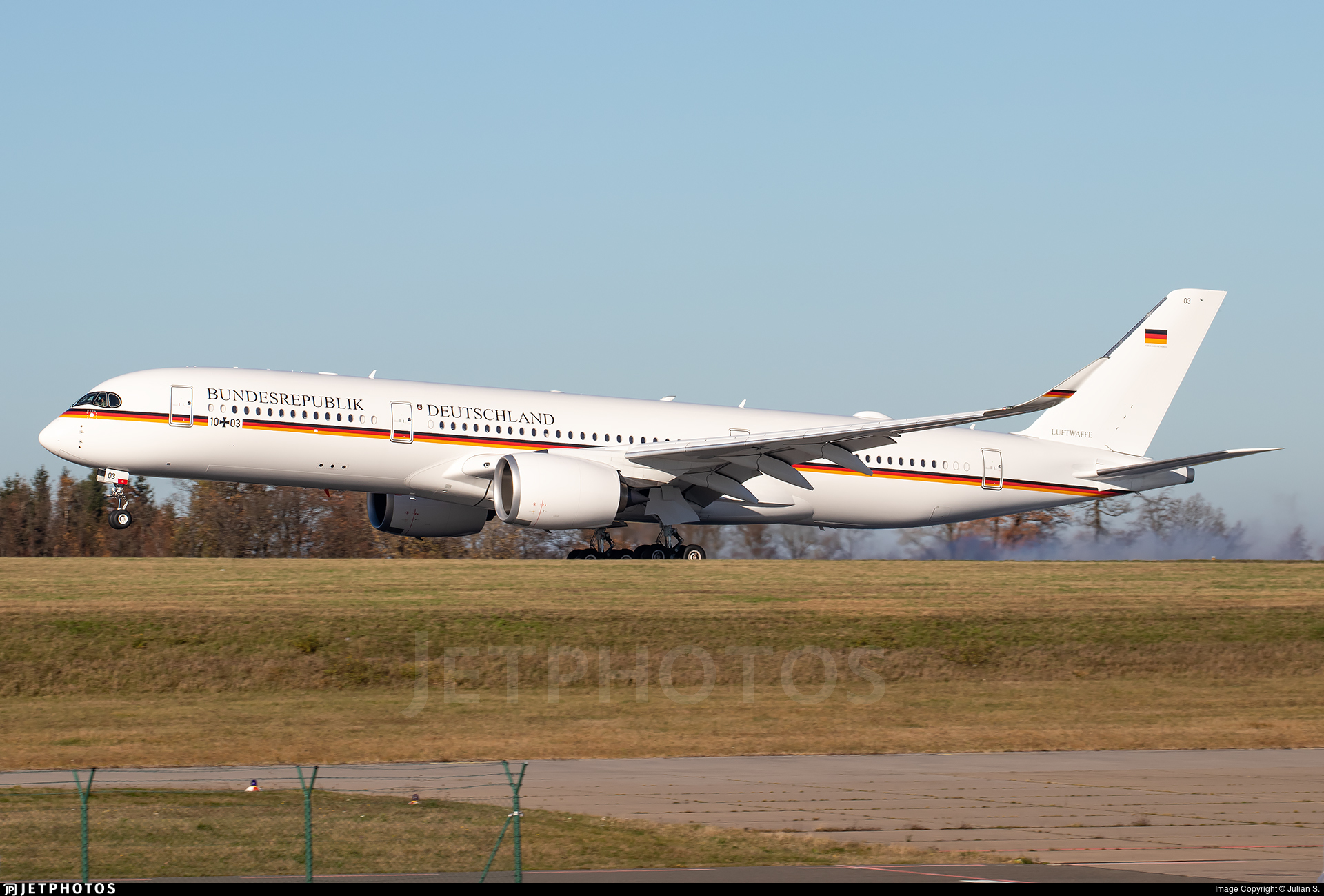10-03 - Airbus A350-941 - Germany - Air Force