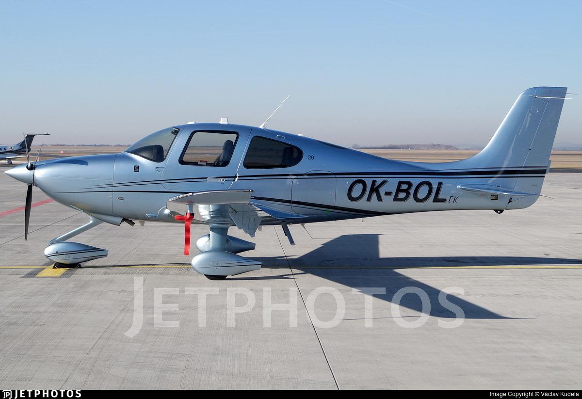 OK-BOL - Cirrus SR20 - Private