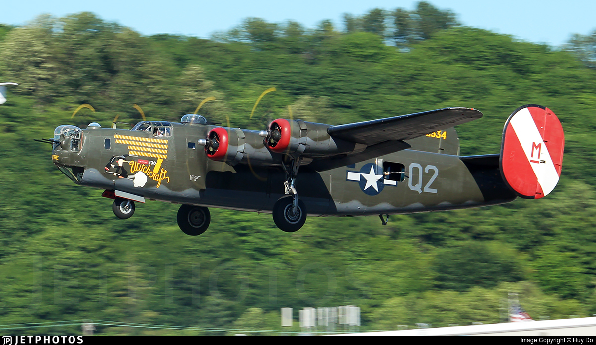 N224J - Consolidated B-24J Liberator - Collings Foundation