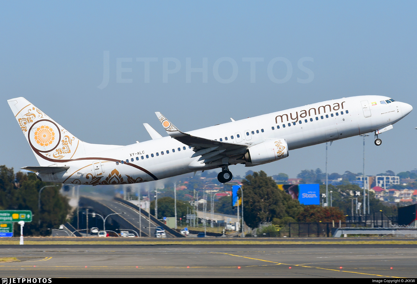 XY-ALC - Boeing 737-86N - Myanmar National Airlines