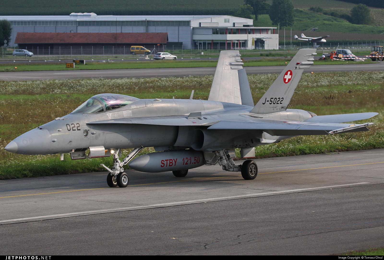 J-5022 - McDonnell Douglas F/A-18C Hornet - Switzerland - Air Force