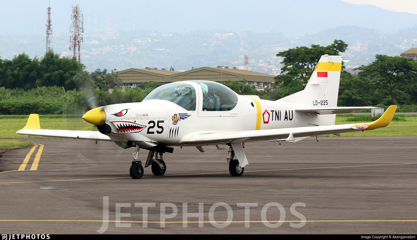 LD-1225 - Grob G120TP - Indonesia - Air Force
