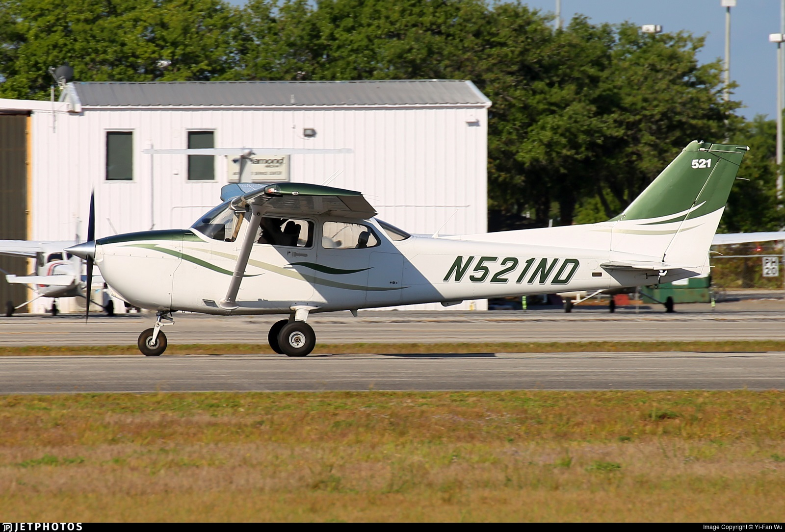 N521ND - Cessna 172S Skyhawk SP - Phoenix East Aviation
