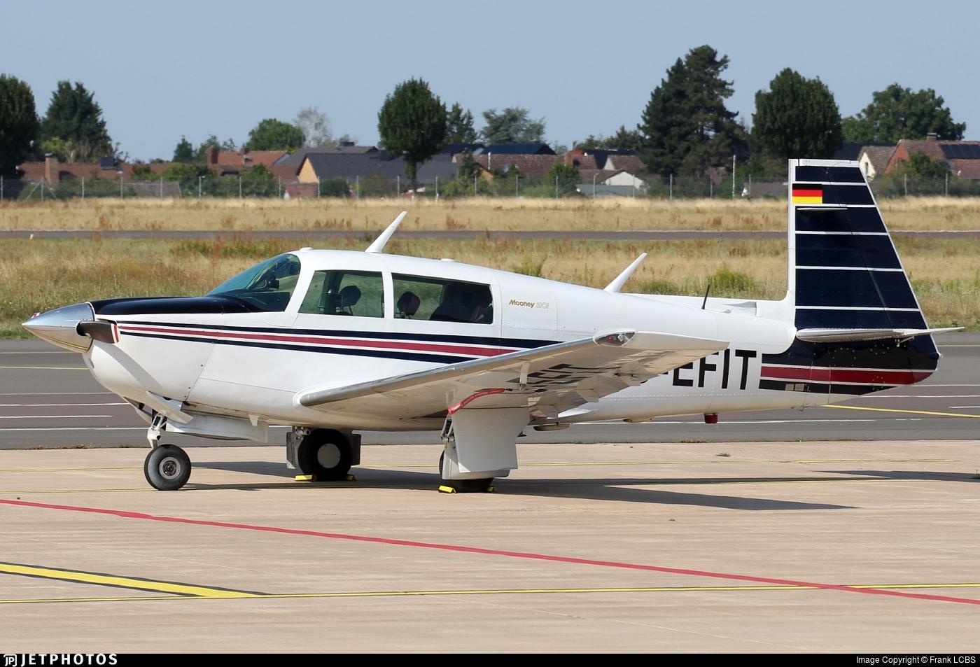 D-EFIT - Mooney M20J-201 - Private