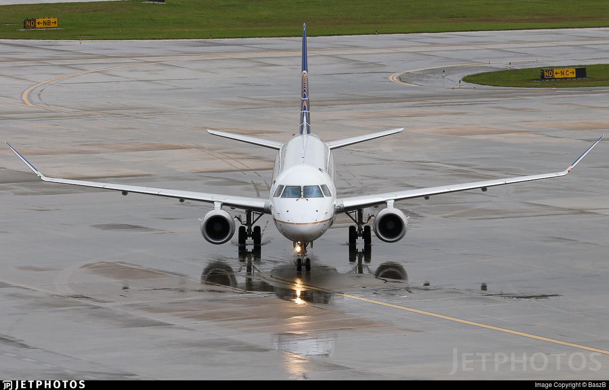 N87302 - Embraer 170-200LR - United Express (Mesa Airlines)