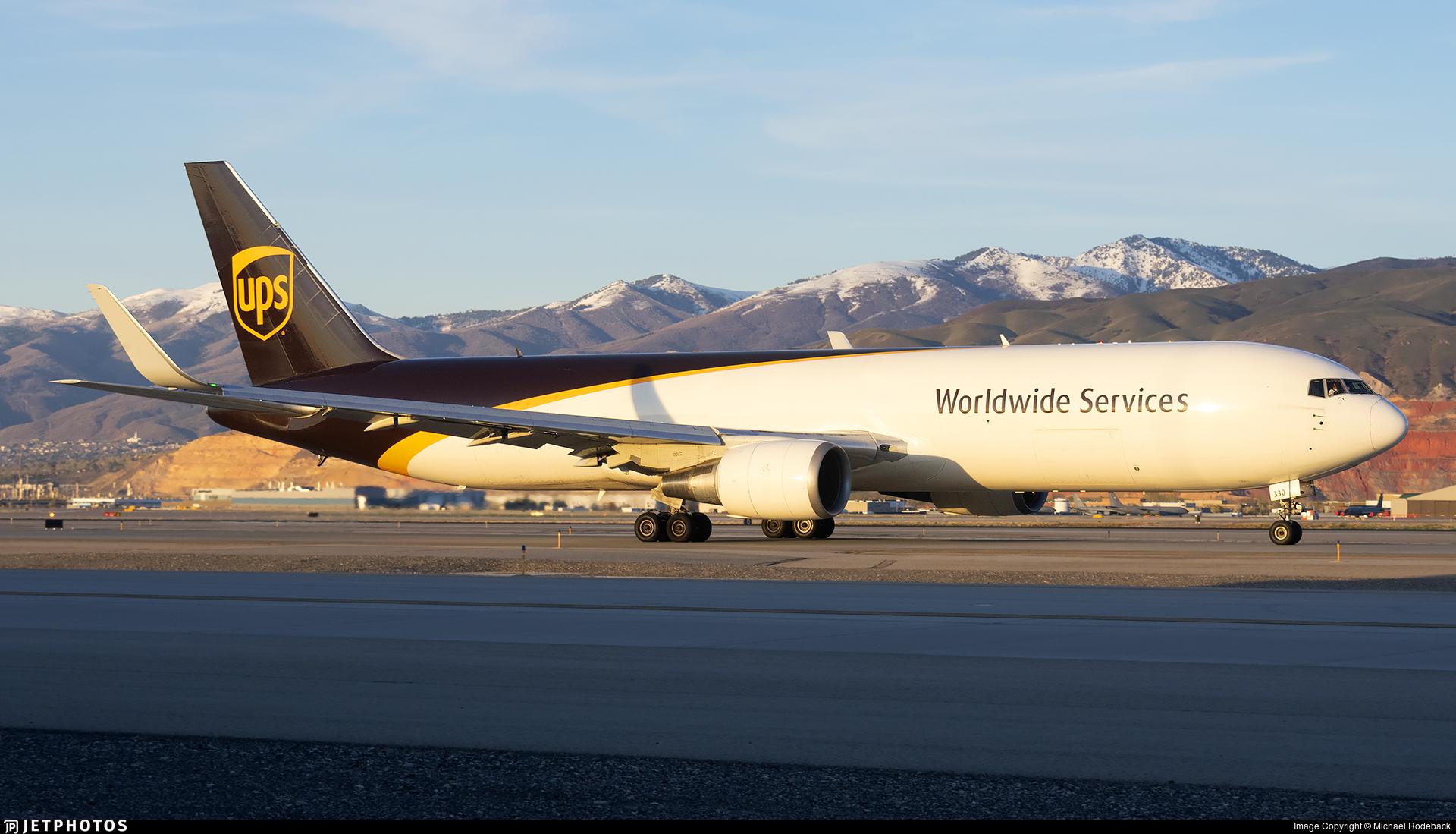 N330UP - Boeing 767-34AF(ER) - United Parcel Service (UPS)