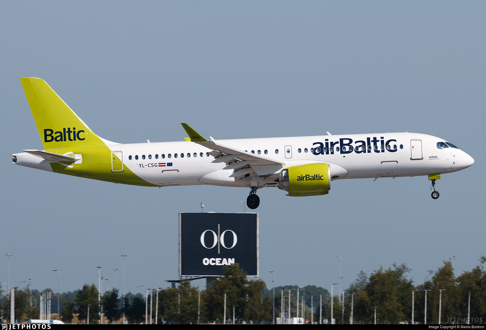 YL-CSG - Bombardier CSeries CS300 - Air Baltic