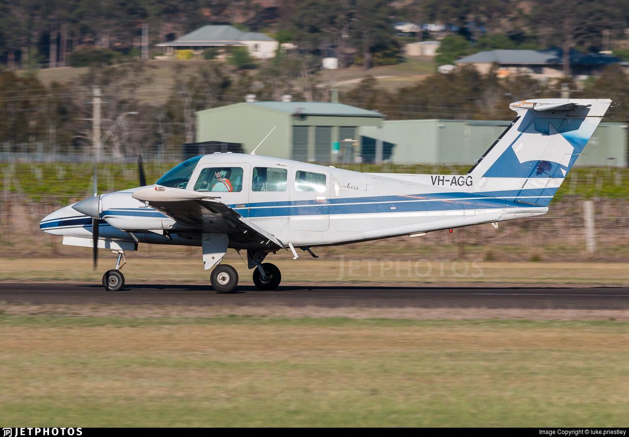 VH-AGG - Beechcraft 76 Duchess - Private