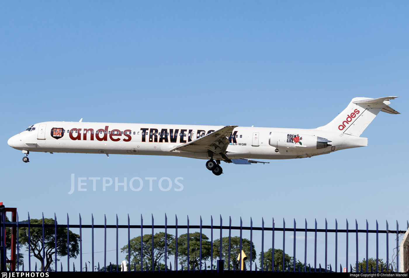 LV-WGM - McDonnell Douglas MD-83 - Andes Líneas Aéreas