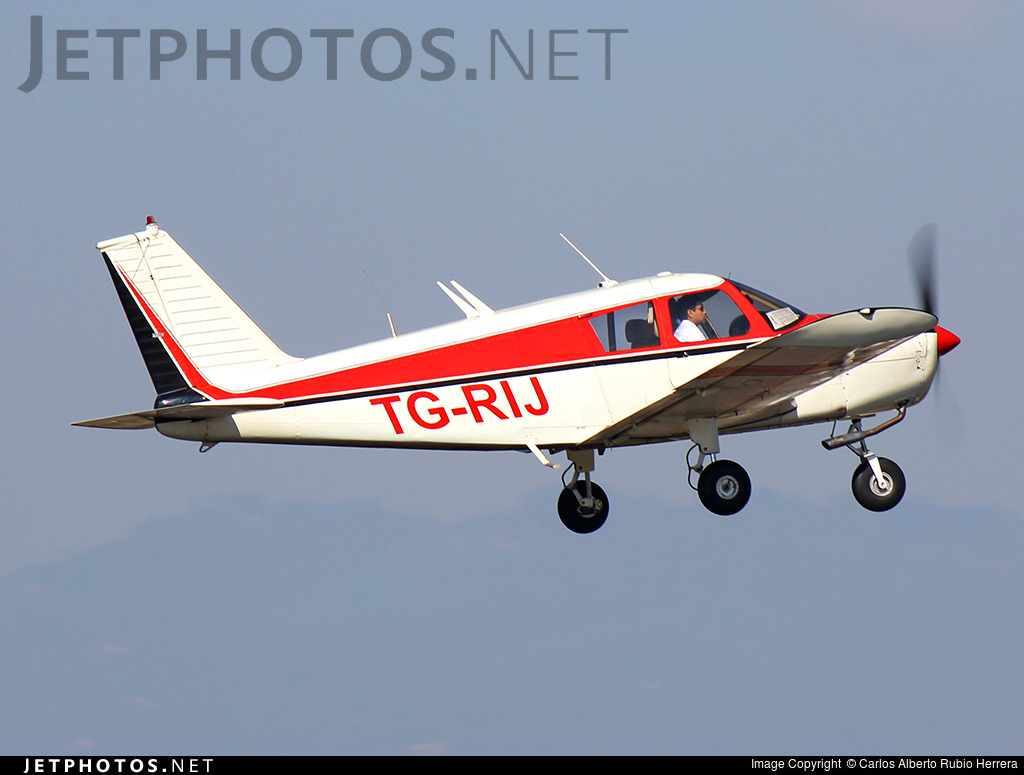 TG-RIJ - Piper PA-28-140 Cherokee - Private