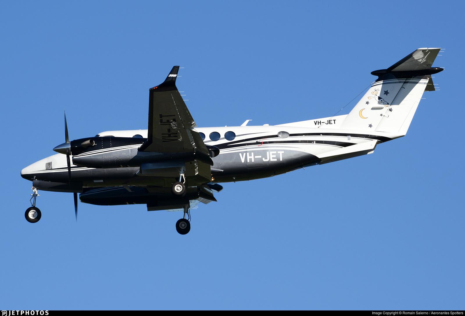 VH-JET - Beechcraft B300 King Air 350i - Leppington Pastoral
