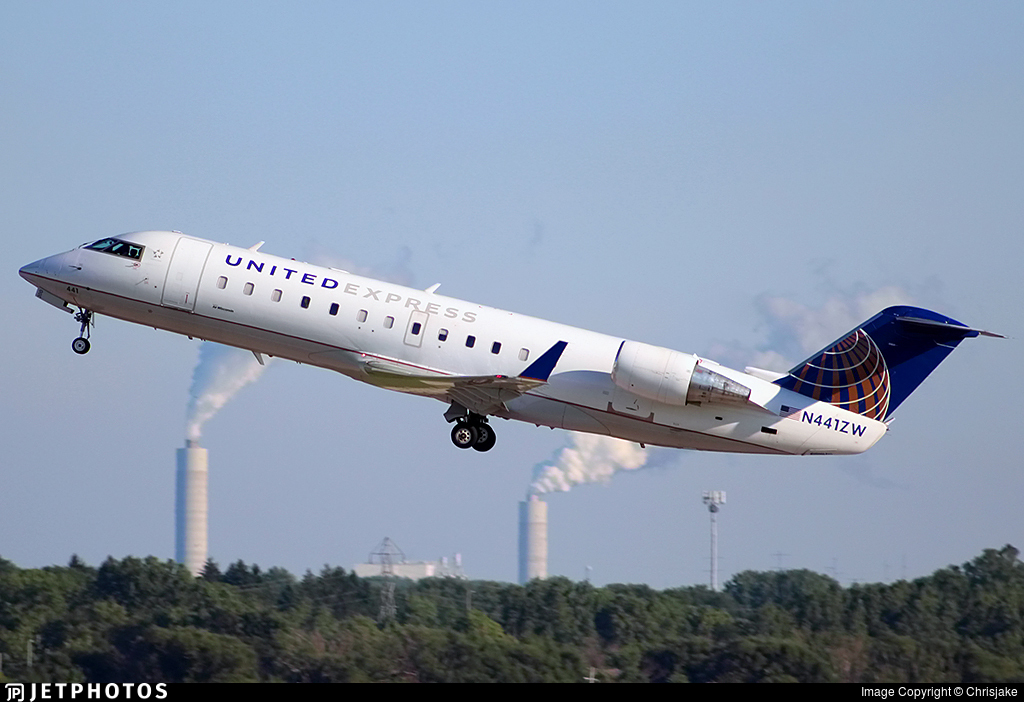 N441ZW - Bombardier CRJ-200LR - United Express (Air Wisconsin)