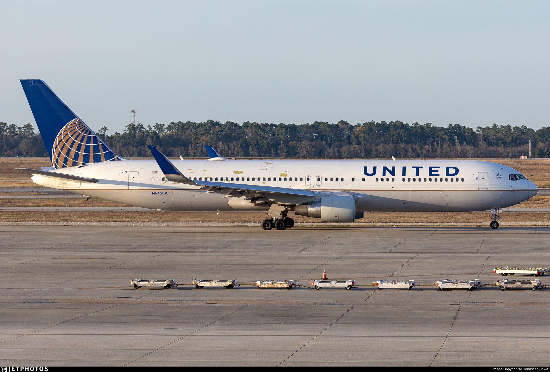 N676ua Boeing 767 322 Er United Airlines Sebastian