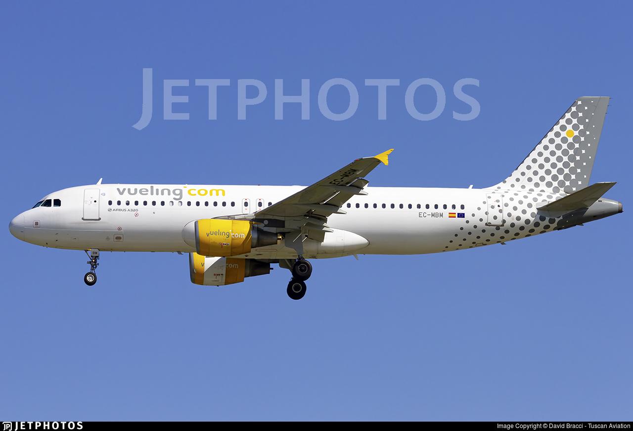 EC-MBM - Airbus A320-214 - Vueling