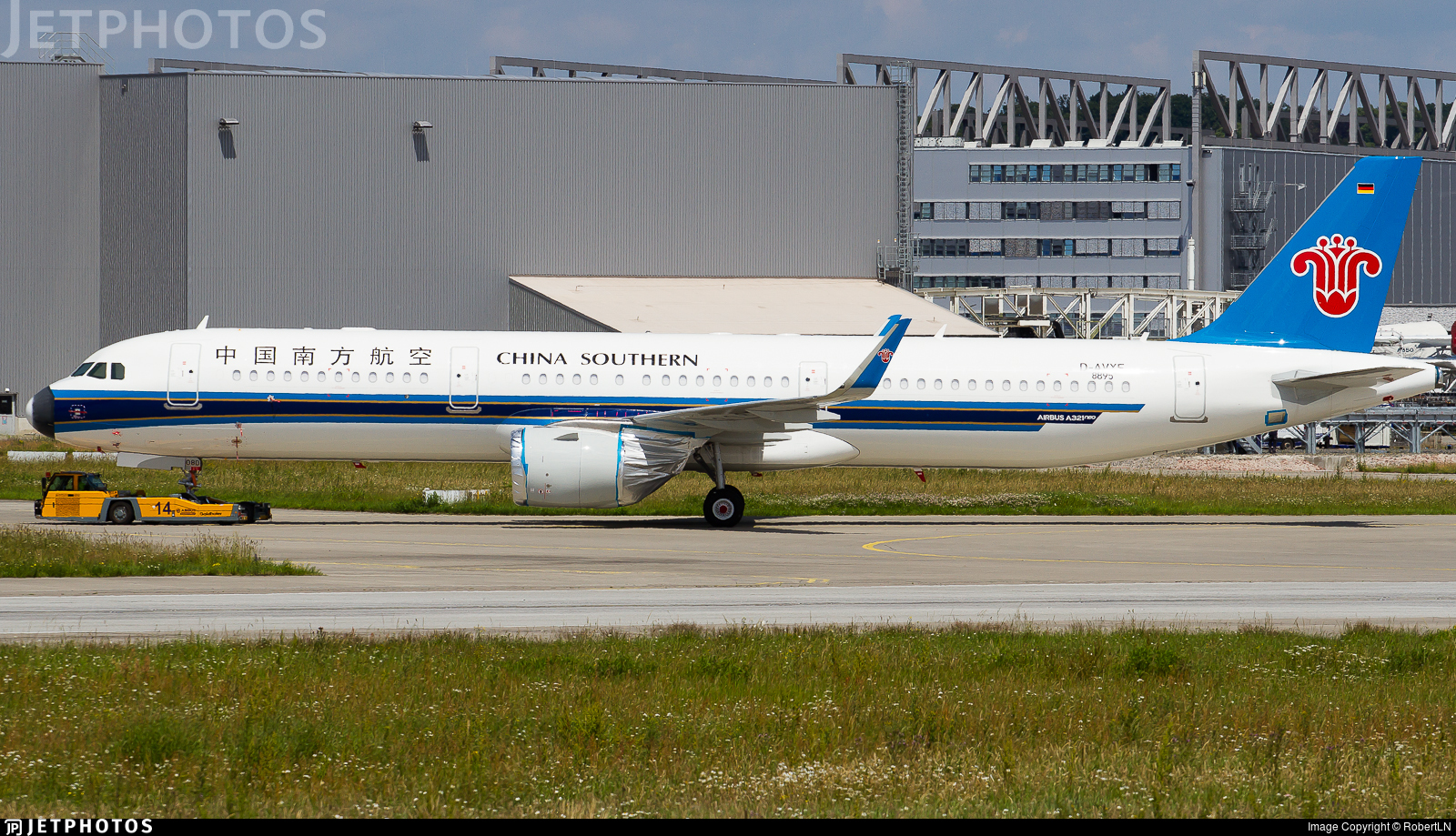 D-AVXF - Airbus A321-253N - China Southern Airlines