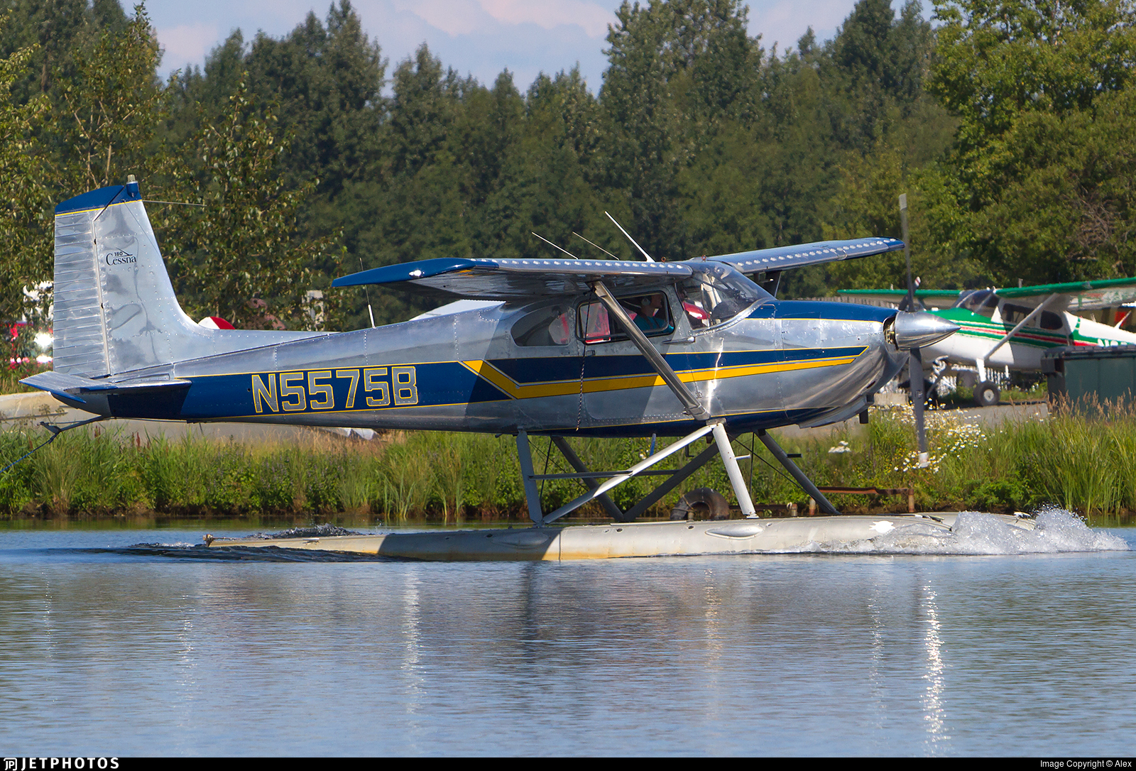 N5575B - Cessna 182 - Private