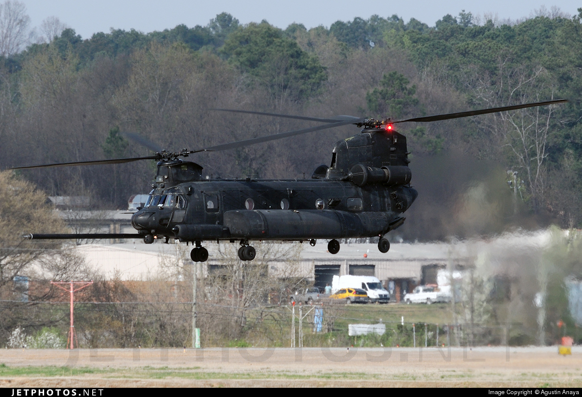 05-03758 - Boeing MH-47G Chinook - United States - US Army
